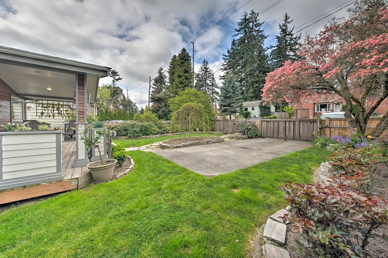 This home resides less than 10 miles from downtown Seattle!