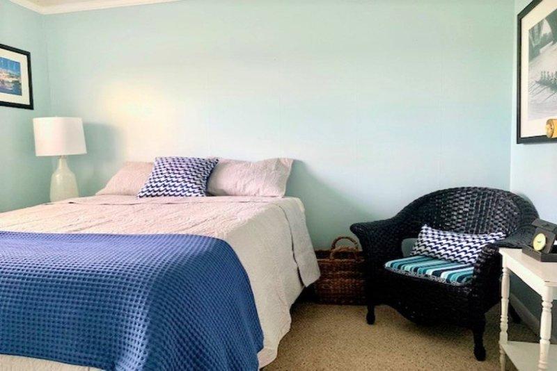 Queen bedroom!