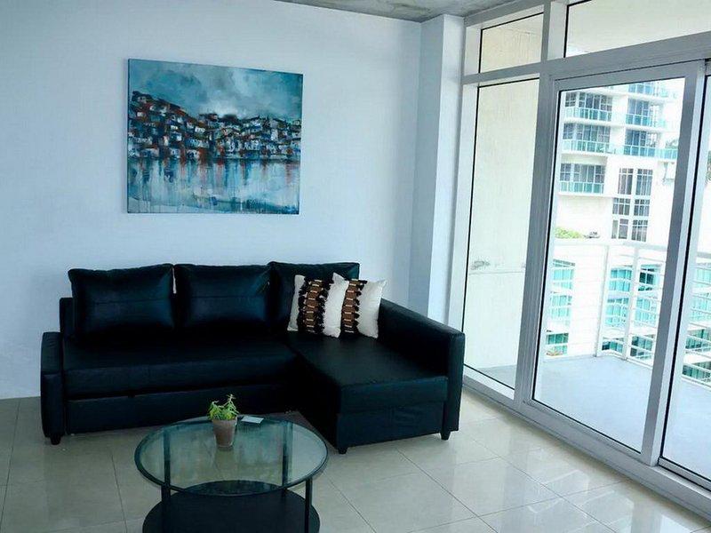 Apartamento com 2 quartos e 2 banheiros com acesso à piscina - ********