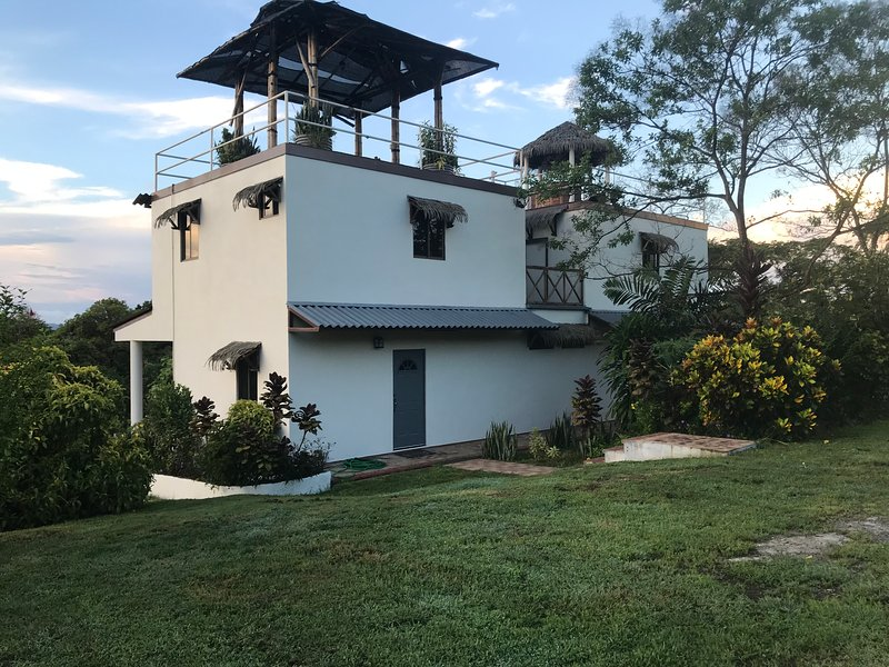 Lago Bay Town House, holiday rental in Veraguas Province