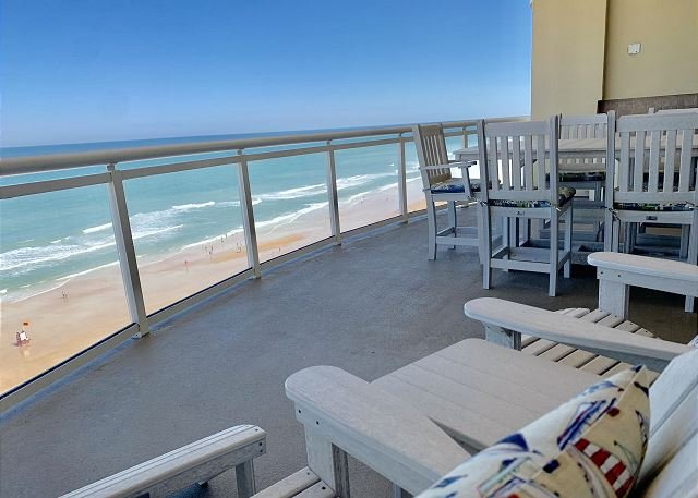 Oceanfront 3 Bedroom Penthouse in Luxurious Ocean Vistas OV #1108, location de vacances à Daytona Beach Shores
