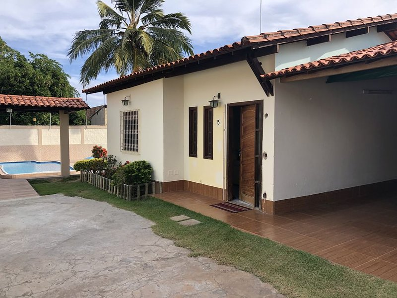 Casa em guarajuba, proximo ao supermercado 30 minutos ate a praia, vacation rental in Guarajuba
