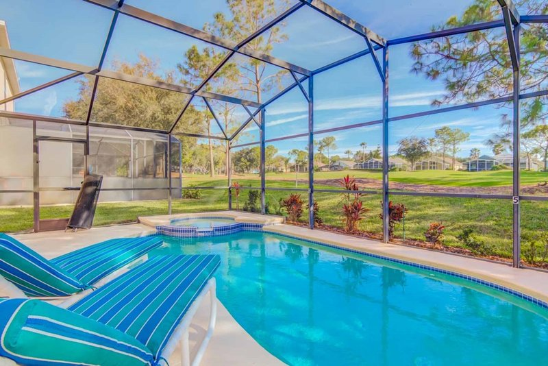Game Room Private Pool & Spa!, alquiler vacacional en Lake Alfred