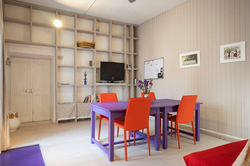 Living room overlooking Corso Umberto I