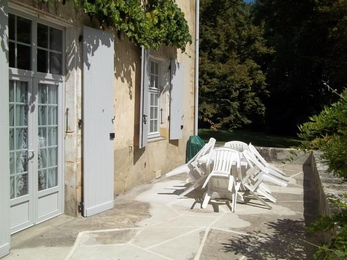 Nice apartment with terrace & Wifi, alquiler vacacional en Loupiac