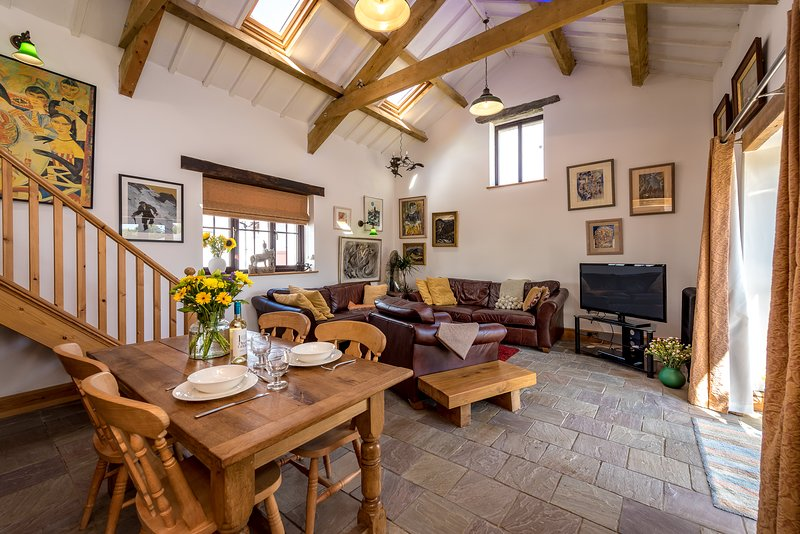 The Barn (THEBAR), vacation rental in Fron