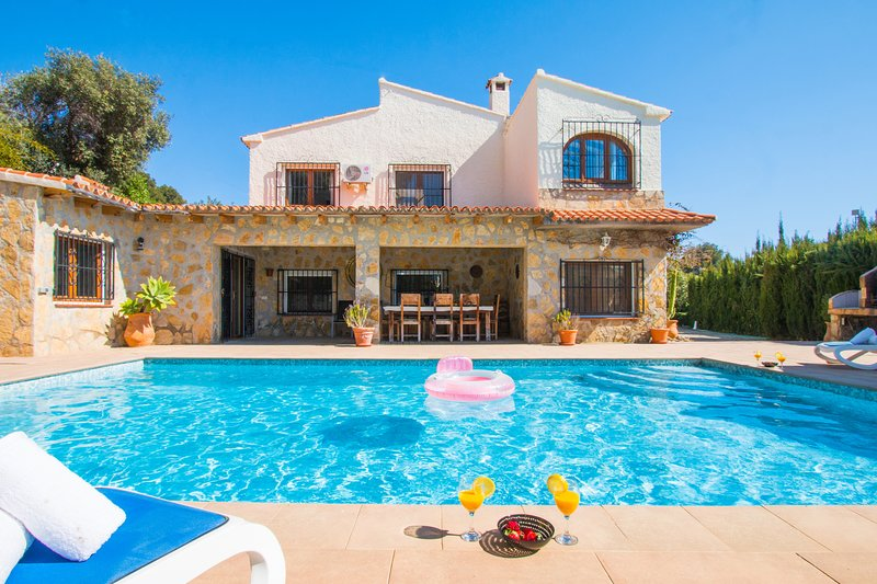 Abahana Villas - HUGO 11, holiday rental in La Llobella