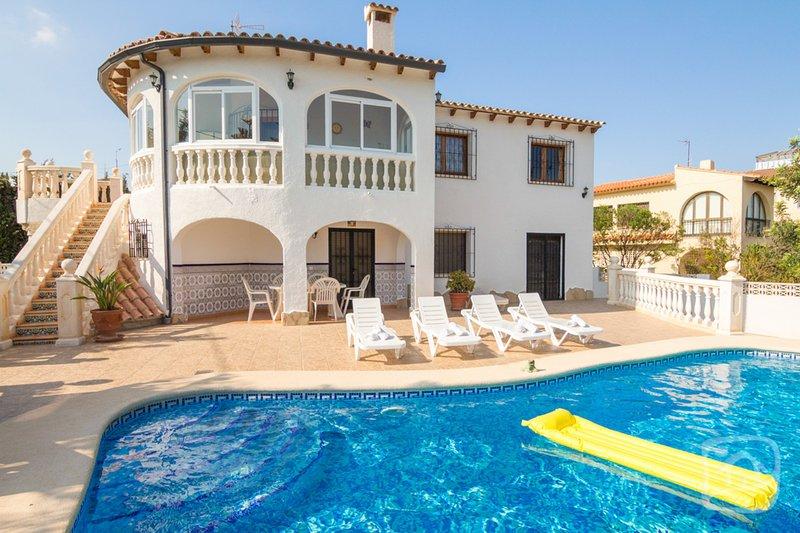 Abahana Villas - MARGARITA, holiday rental in La Llobella
