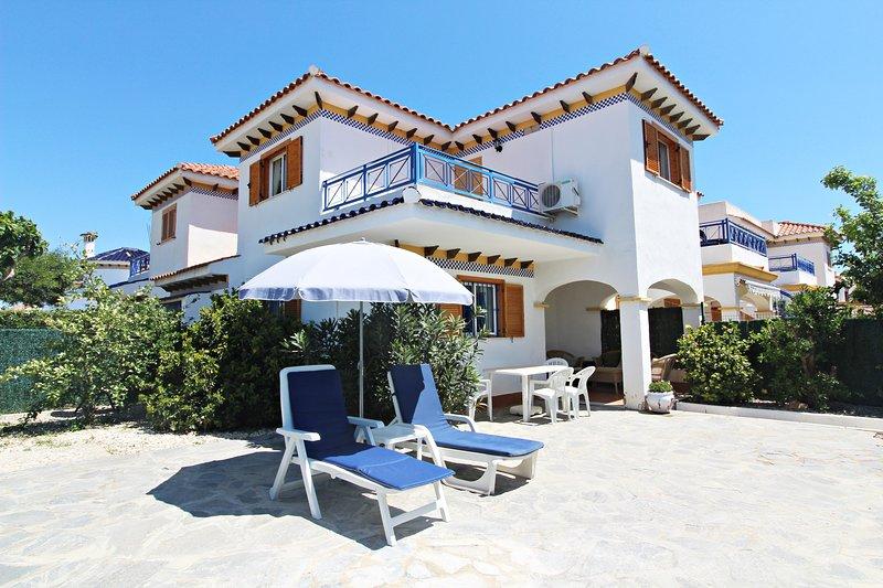 Veramar 6 - Dúplex con WiFi y jardín privado, vacation rental in Playas de Vera