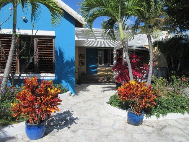 Welcome to charming CoCo Gardens Villa.