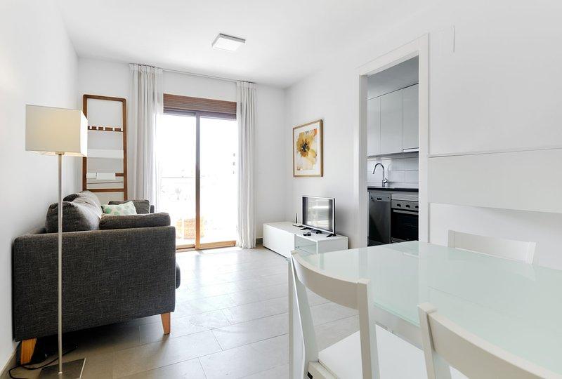 Orange Holiday Housing - Doña Clemen (2 bedr. apt in city heart Torrevieja), location de vacances à Torrevieja