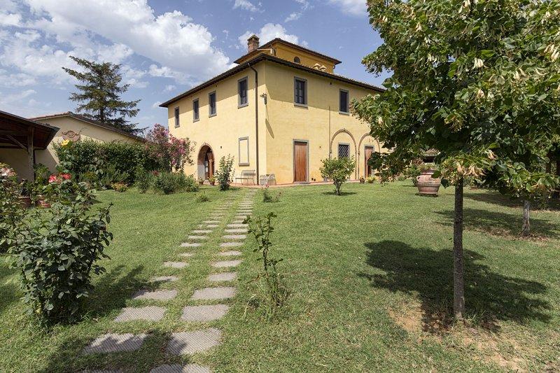 VILLA LA COLOMBAIA, holiday rental in Fratticciola