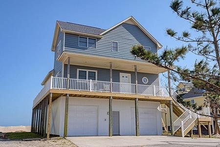 Be Still - 4BR Oceanfront House in North Topsail Beach, holiday rental in North Topsail Beach