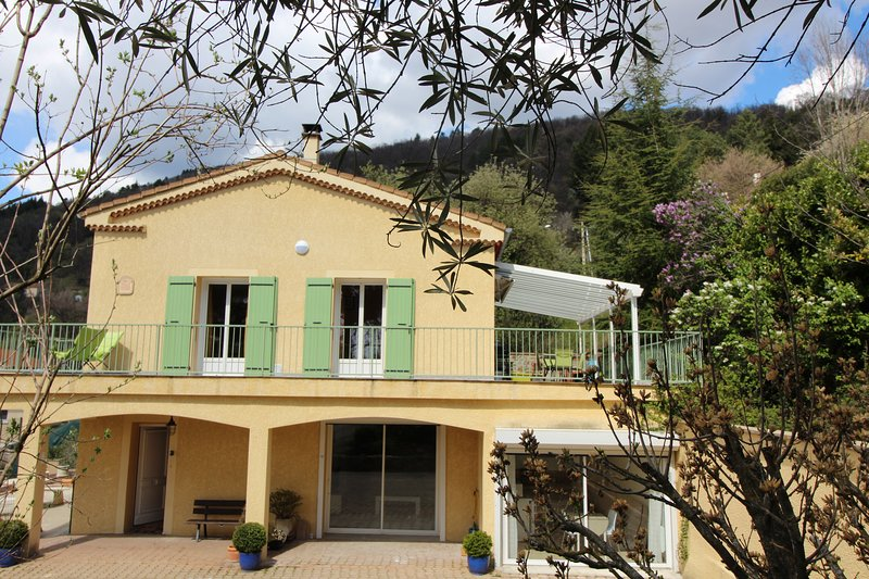 LA MAISON SEQUANA - GITE 12 PERSONNES, holiday rental in Ucel