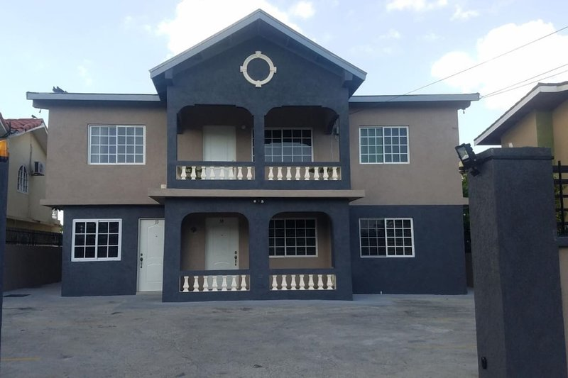 JD Cozy Place, vakantiewoning in Portmore
