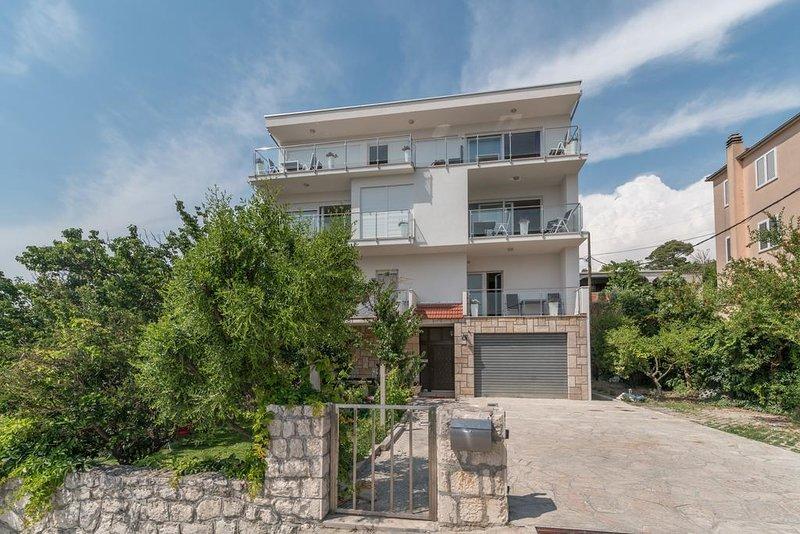 One bedroom apartment Podstrana, Split (A-17067-b), aluguéis de temporada em Kamen