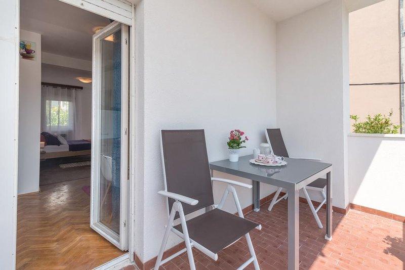 Zminjevaca Apartment Sleeps 5 with Air Con - 5790946, aluguéis de temporada em Kamen