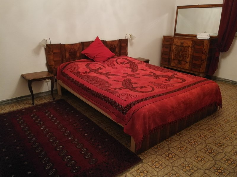 Close to Station, Fair and Medieval Town Centre, holiday rental in Corticella