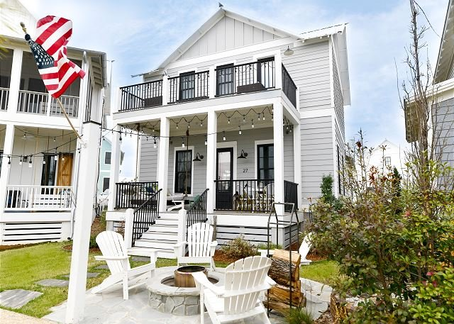 Carlton Landing-Perfect mix of elegance and comfort! Right on Redbud Park!, location de vacances à Longtown