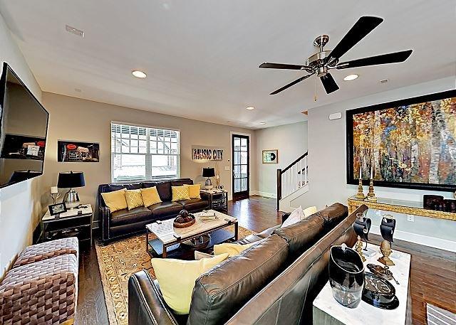 Sunnyside All-Suite: Walk to Cafes & Shops, Near Music Row & The  Gulch, location de vacances à Berry Hill
