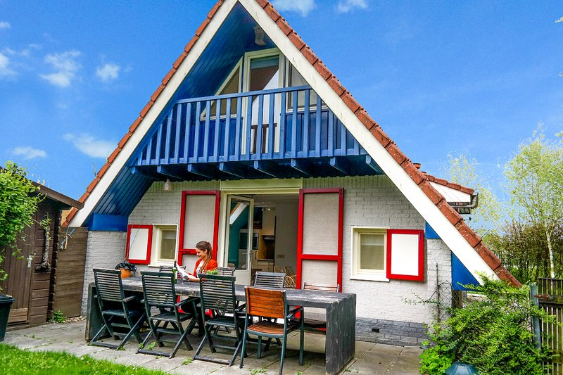 6pers House with a private terrace and garden by the Lauwersmeer, Ferienwohnung in Anjum