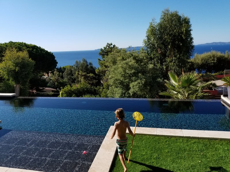 STUNNING SEA VIEW VILLA Golfe St Tropez w/ Aircon, holiday rental in Rayol-Canadel-sur-Mer
