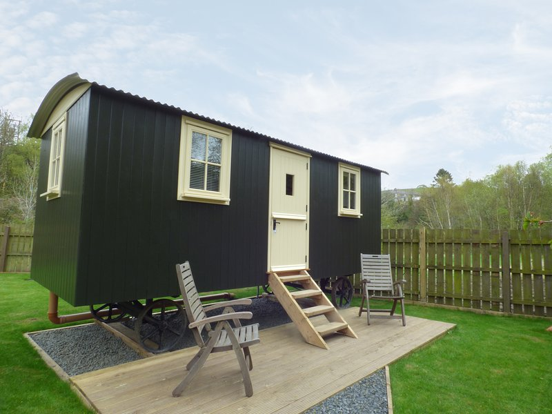 WILLIAM'S HIDE, open plan, sheperd's hut, in Haltwhistle, Ref 961438, location de vacances à Haltwhistle