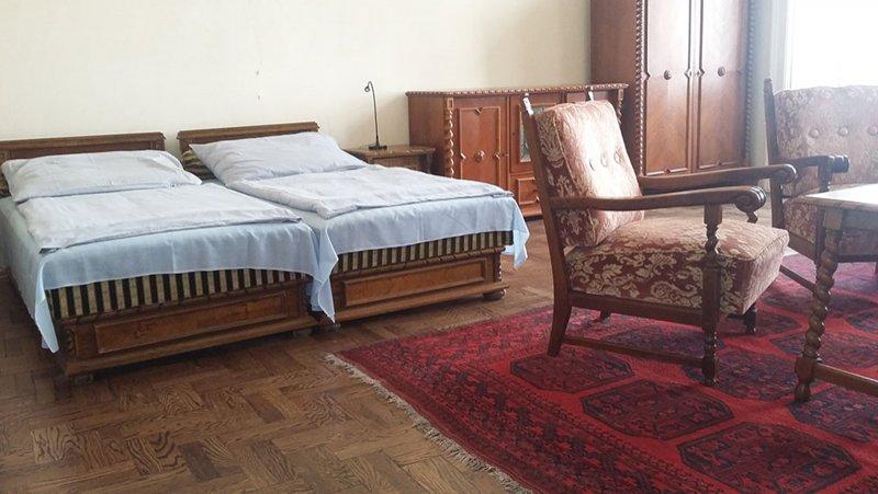 Chambre à coucher-salon