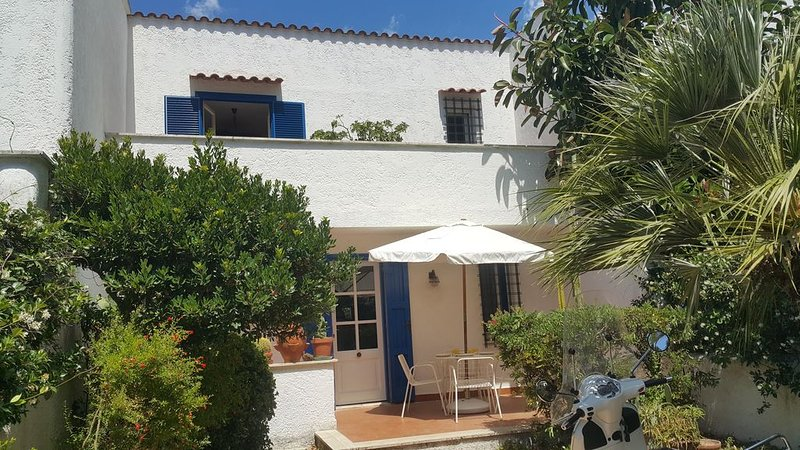 Cerenova House: seaside, history, nature, holiday rental in Cerveteri