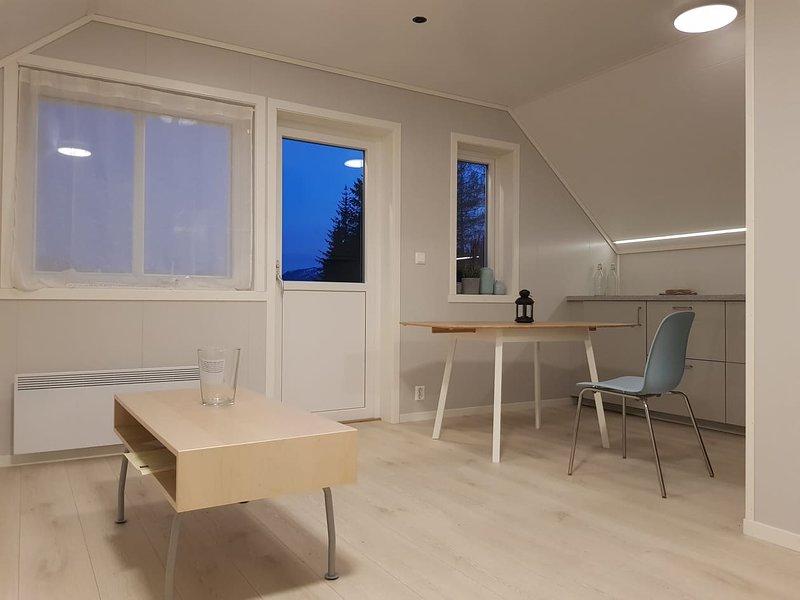 Waerholmen, vacation rental in Matre