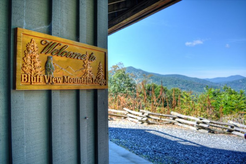 Welcome to Bluff View Mountain Lodge