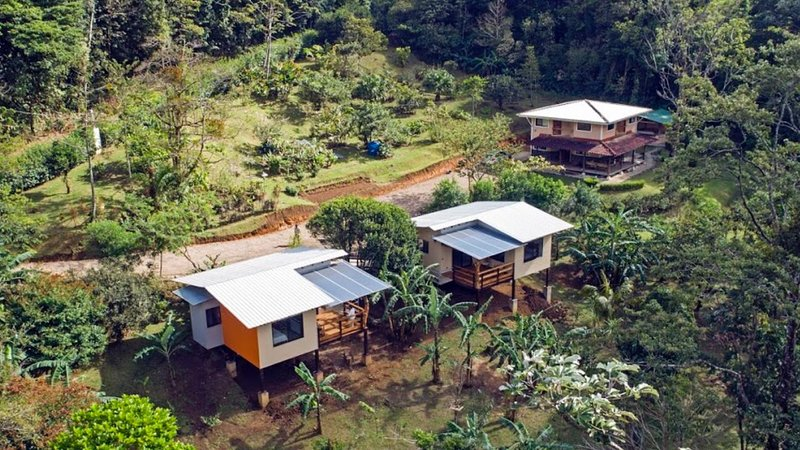 In this aerial shot the 2 cabins are shown to the left Pizote or Coati and contiguous Tapir or Danta.