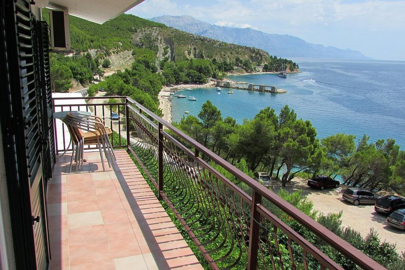 Lokva Rogoznica Apartment Sleeps 4 with Air Con - 5461200, vacation rental in Medici