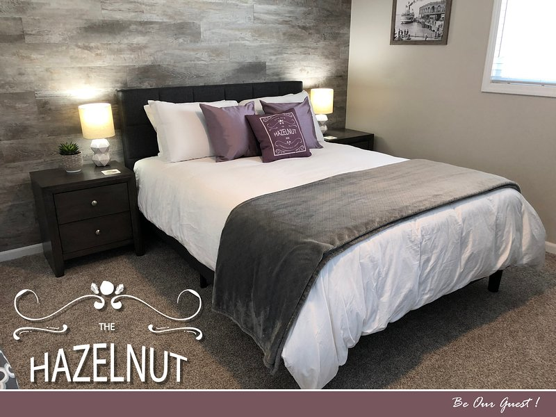 The Hazelnut - Metro Detroit's Premier Home Rental -15 mins to Downtown Detroit, vacation rental in Dearborn