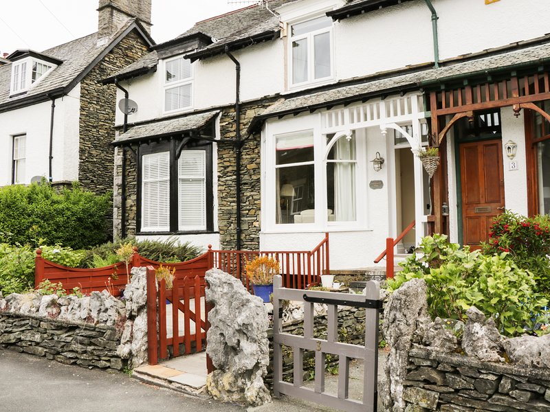 LITTLE LANGDALE HOUSE, beautiful location, spacious retreat, in, holiday rental in Bowness-on-Windermere