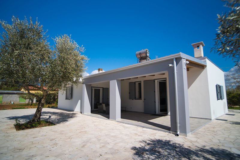 Residenza Figuruja-------ecostostenibile/green-------, holiday rental in Olmedo