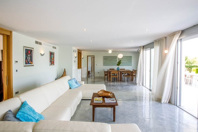 Cala Bassa Villa Sleeps 12 with Pool and Air Con - 5790752, holiday rental in Cala Comte