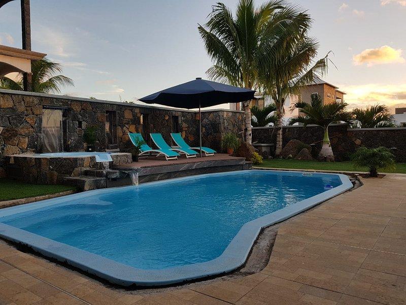 Big villa with swimming-pool & Wifi, casa vacanza a Petite Riviere