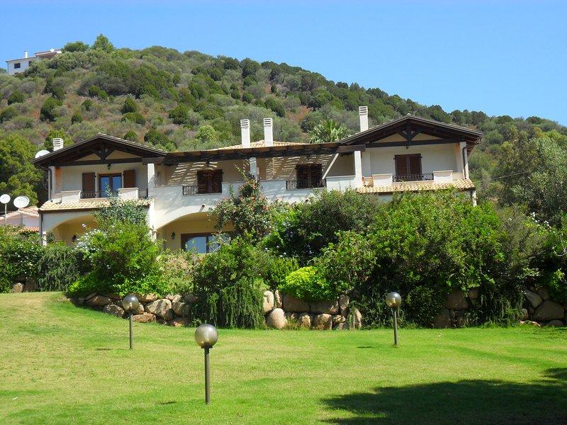 Spacious villa with sea view & Wifi, holiday rental in Setti Ballas