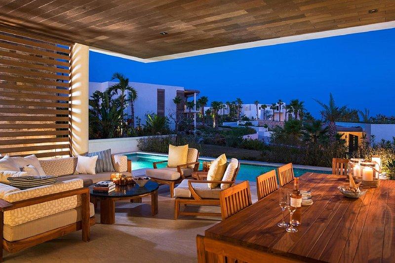 Villa de 3 dormitorios con vistas al jardín y piscina