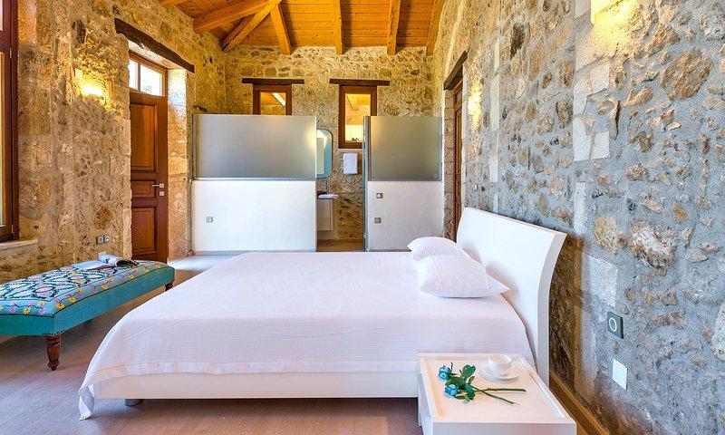 Villa Candice B&B - Aphrodite Suite, holiday rental in Maroulas