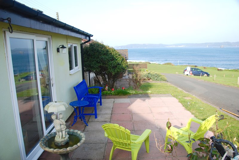 Beachy Chic Chalet,Spectacular Ocean Views Long Sunsets, 25Steps to Water,Quiet, Ferienwohnung in Down Thomas
