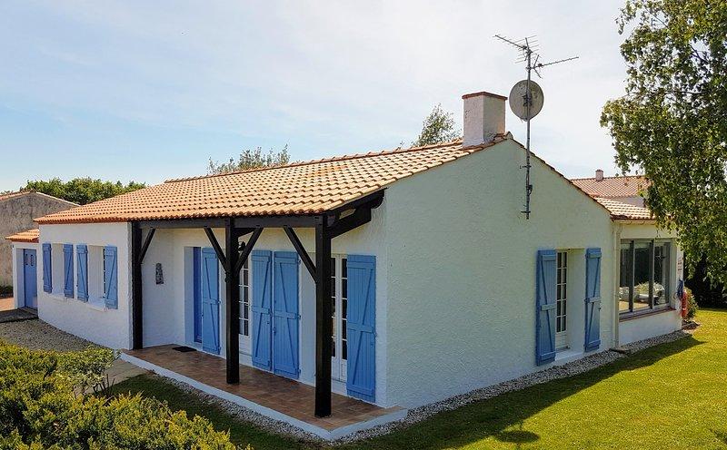 Maison Blanc-vos vacances votre maison à Apremont. Juste une courte promenade à