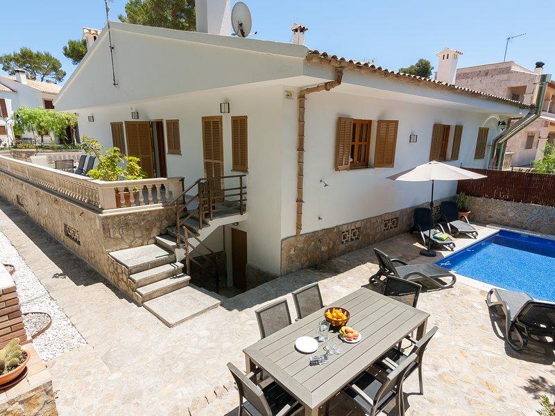 Marblava - Cosy villa with swimming pool 100 m from the beach, location de vacances à Playa de Muro