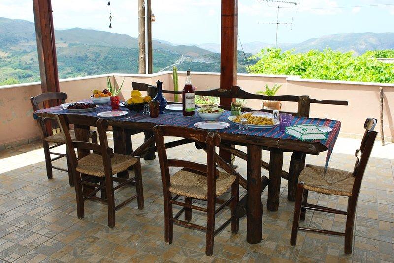 Traditional Cretan Cozy House In Nature, Vgorada, holiday rental in Meronas
