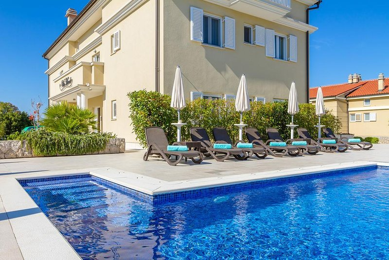 Two-Bedroom Apartment #2 Villa Mande, vacation rental in Malinska