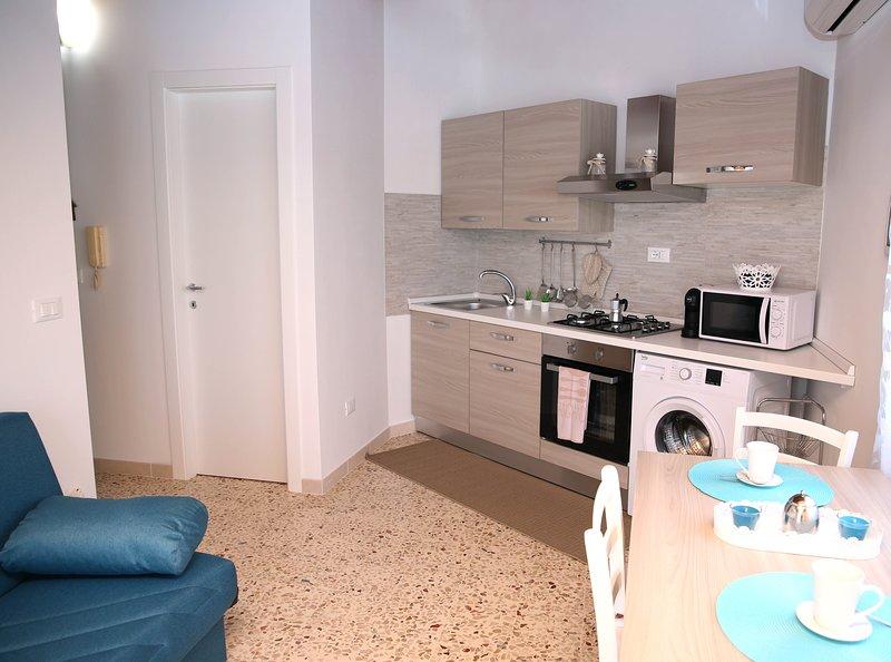 VacanzaPortopalo Appartamento Sole con Terrazza 600 mt mare, alquiler de vacaciones en Portopalo di Capo Passero