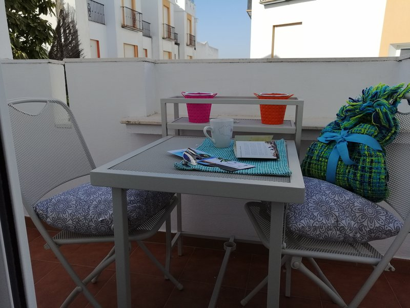 Spacious house with garden & Wifi, location de vacances à Andujar