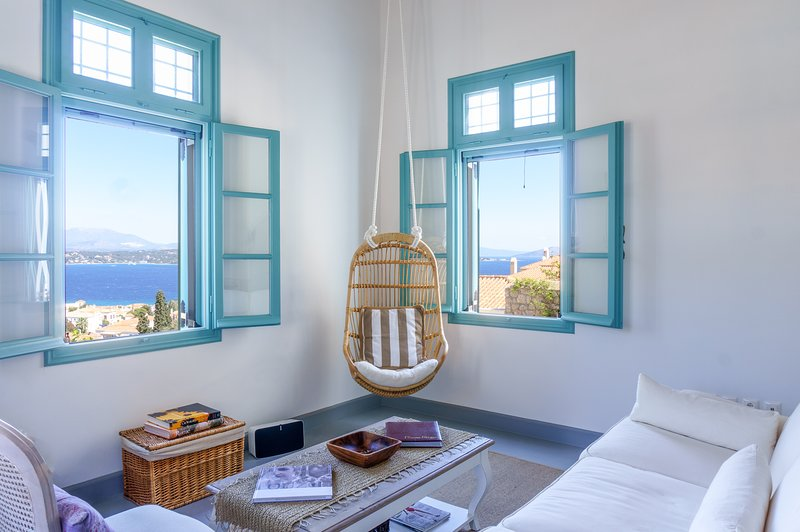 The Great Gatsby 6BR villa overlooking Spetses old town by JJ Hospitality, holiday rental in Spetses Town