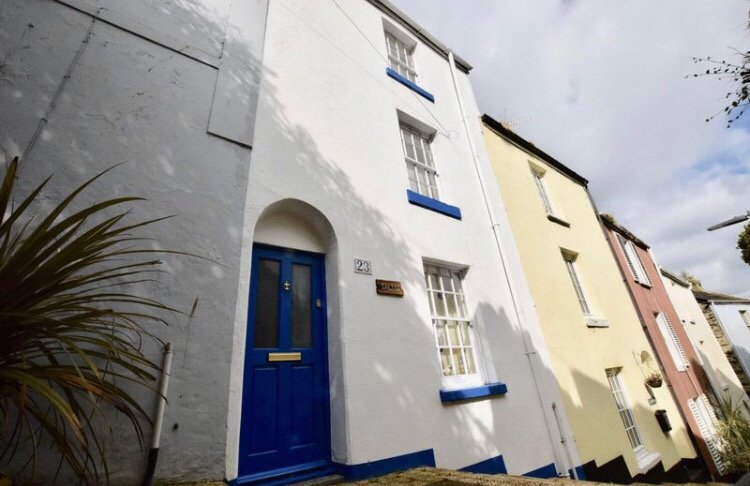 Fisherman's cottage (Salty's). Sleeps 5, 2 min walk to harbour, dogs free, fire, holiday rental in Brixham